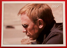 JAMES BOND - Quantum of Solace - Card #070 - Camille Checks Her Gun