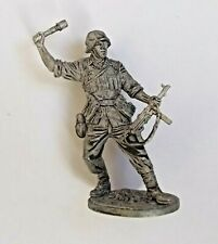 1/30 German WWII Private with Grenade in Attack Tin Metal soldier 70 mm NEW