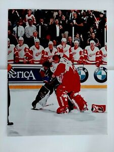 Chris Osgood Patrick Roy 8 x 10 Photo Fight Brawl red Wings Avalanche