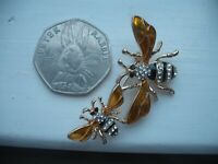 Vintage Style HONEY BEE Bumble Insect ENAMEL BROOCH Pin Manchester MUM & BABY
