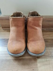 Baby Girls F&F Chelsea Boots Infant Size 6