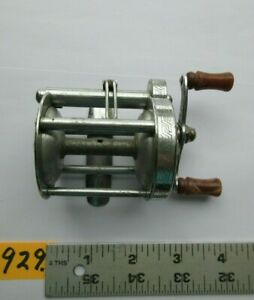 #929)Vintage Pflueger AKRON No. 1893L Baitcasting Baitcast BASS Fishing Reel USA