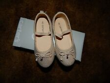 """New Carters """"Pompom"""" Gold Shoes Size 8"""