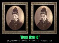 Aunt Astrid 5x7 Haunted Memories Changing Portrait Halloween Lenticular