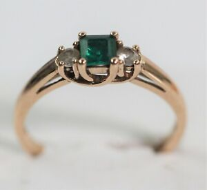 DAINTY 10k ROSE GOLD RING WITH EMERALD size 6.75