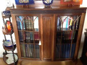 Vintage Edwardian Mahogany Bow Front Bookcase / China Display Cabinet