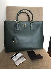 528ab88514 Auth NWT PRADA Saffiano Lux Large Galleria Emerald Green Bag Tote BN1786