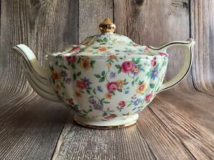 Vintage Sadler Chintz Rose Floral Tea Pot with Lid #2895, England, Cream, Gold