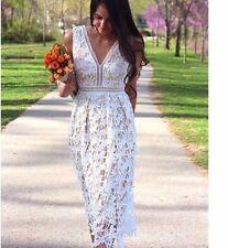 Romeo & Juliet Couture Deep Lace Dress Medium / Like Self Portrait BNWT