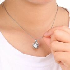 White Gold Beauty Round Costume Necklaces & Pendants