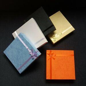 Schmucketui Schmuckboxen 170x170x36mm Karton mit Schleife und Röschen Schachtel