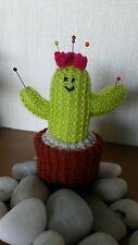 Hand Knitted cómico Floración Cactus