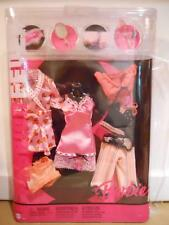 Barbie FASHION FEVER CLOTHES CLOSET MIX AND MATCH J1376