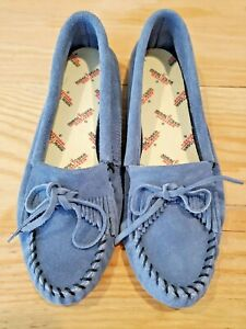 NEW MINNETONKA MOCCASINS Women's Size 9 Storm Blue Suede Kilty Softsole