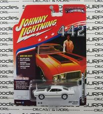 Johnny Lightning 1/64 2017 Muscle Cars USA 1970 OLDSMOBILE OLDS CUTLASS S W-31