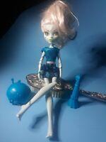 Monster High FRANKIE STEIN Freaky Fusion Doll Mattel