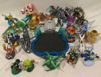Xbox 360 Portal with 25 figurines bundle set lot for Skylanders Superchargers