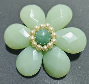 Green Vintage 60s Flower Power Resin Brooch Pin