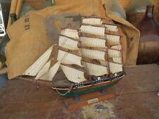 Ancienne maquette bateau ancien voilier peche naval cutty sark 4 mats caravelle