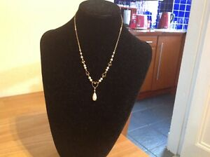 9 ct gold Edwardian heart shaped necklace with cultured seed and drop pearl neck