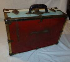 Eagle Lock Terryville Conn Vtg Metal Suitcase Leather Handle Roller Skate Case