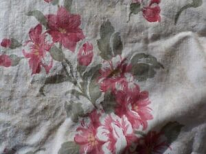 JC Penny Home QUEEN Bedskirt Greens/Reds Floral Shabby Cottage Chic