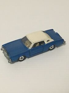 TOMICA NO F4 FORD CONTINENTAL MARK IV 1/77 SCALE MADE IN JAPAN