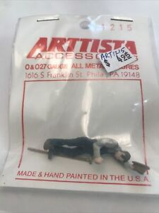 Arttista #1215 - Farmer with hoe wiping his brow O O27 Scale Figures People NEW