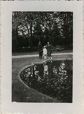 PHOTO ANCIENNE - VINTAGE SNAPSHOT - REFLET BASSIN MIROIR DRÔLE - REFLECT 1936