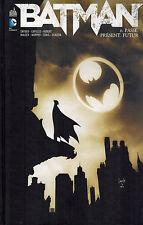 COMICS - URBAN COMICS - BATMAN T.06 : PASSE,PRESENT,FUTUR - SNYDER / CAPULLO