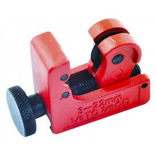 Mini Copper Pipe Cutter | Cuts From 3mm to 22mm Pipe In Tight / Confined Spaces