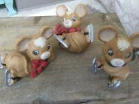 Vintage Homco Tumbling Christmas Mice on Ice Skates  ADORABLE!!