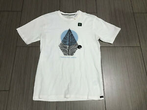 NWT Volcom Modern Fit Short Sleeve Graphic T-Shirt Youth Boy's XL X-Large White