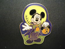 Disney Trick Or Treat 2008 Mickey Mouse With Jack Skellington Moon Pin