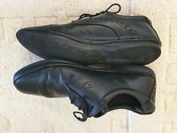 Mens Clarks Black Leather shoes soft tread school Work walk UK Size 8.5 Used