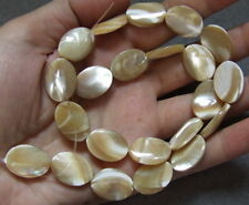 8SE10084 Mother Of Pearl Mop Flat Oval 13x18mm Beads