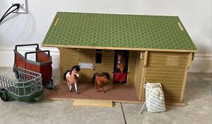 Brushwood Farm Wooden Toys Stables & Horses