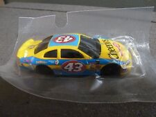 NEW SALUTE TO PETTY #43 CHEERIOS HOT WHEELS 2001 DODGE INTREPID 1:64