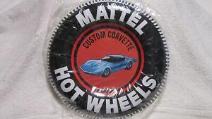 MATTEL HOTWHEELS 12 INCH CUSTOM CORVETTE TIN BUTTON SIGN