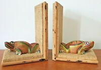 Pair of Vintage Wooden Frog design - Hand-painted Bookends - Wicker / Rattan