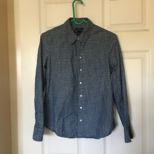 GAP boyfriend fit, long sleeves Women's shirt Size XS. Blue And White Dots