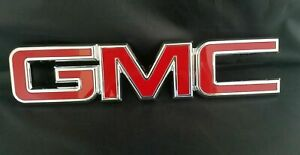 A GMC ACADIA FRONT GRILLE EMBLEM BADGE GRILL BUMPER NAMEPLATE 2007-2015