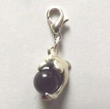 charms argentée dauphin perle oeil de chat en verre noire