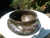 CHARLES WILTON  POTTERY VASE AUSTRALIAN STUDIO CERAMICS . Excellent condition .