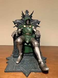 Art Asylum Doctor Doom On The Throne Statue #190/2500 With COA Diamond Select