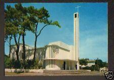 CAP FERRET (33) RENAULT DAUPHINE à l'EGLISE en 1973