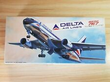 HASEGAWA LC014 Boeing 767 Delta Air Lines 1/200 Vintage Model Aircraft kit MINT