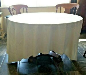 "Quality Tablecloth & 10 matching Napkins Ivory 110"" x120"" Oval"