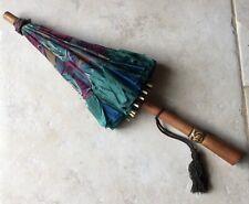 Ancienne ombrelle enfant en soie, XIXe siècle, manche sculpté, à restaurer