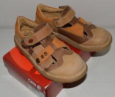 Chaussures été semi ouvertes cuir basses fermées velcro GBB garçon P 33 / 32 TBE